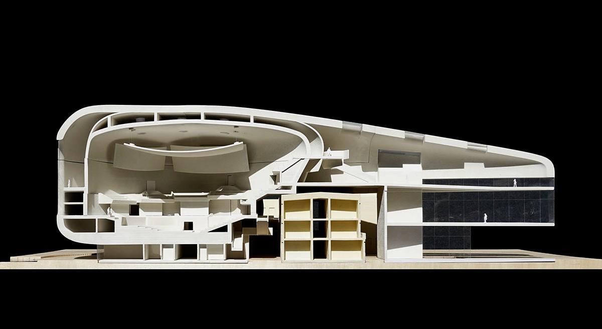 https://stevenholl.sfo2.digitaloceanspaces.com/uploads/projects/project-images/09-Ostrava-Model.jpg