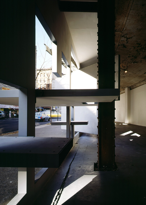 https://stevenholl.sfo2.digitaloceanspaces.com/uploads/projects/project-images/PaulWarchol_Storefront_93-093-06B_WV.jpg