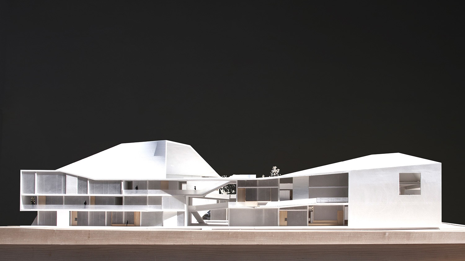 https://stevenholl.sfo2.digitaloceanspaces.com/uploads/projects/project-images/StevenHollArchitects_Bogota_IMG_6219-edit_WH.jpg