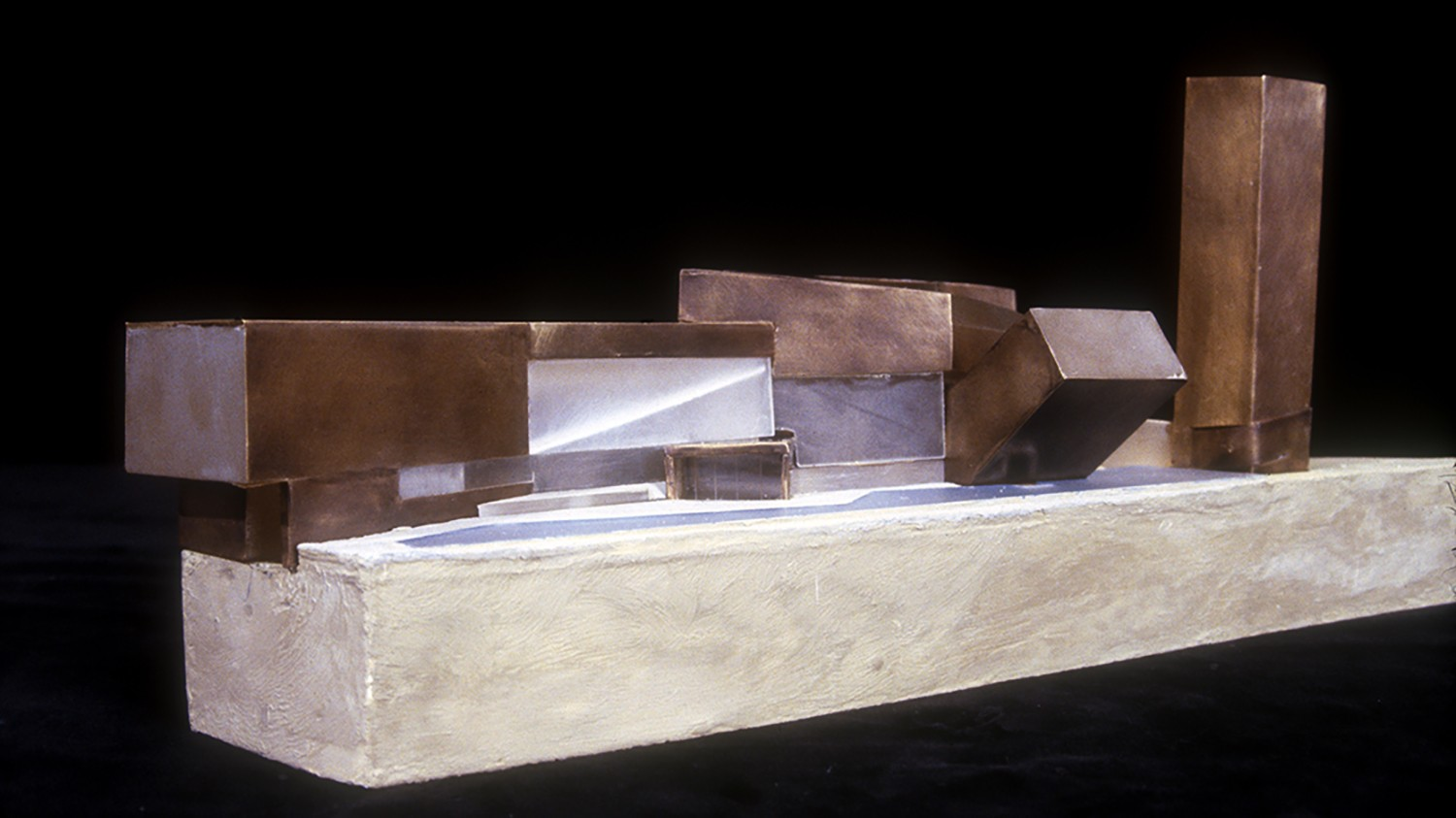 https://stevenholl.sfo2.digitaloceanspaces.com/uploads/projects/project-images/StevenHollArchitects_Confluence_lyon_model_WH.jpg