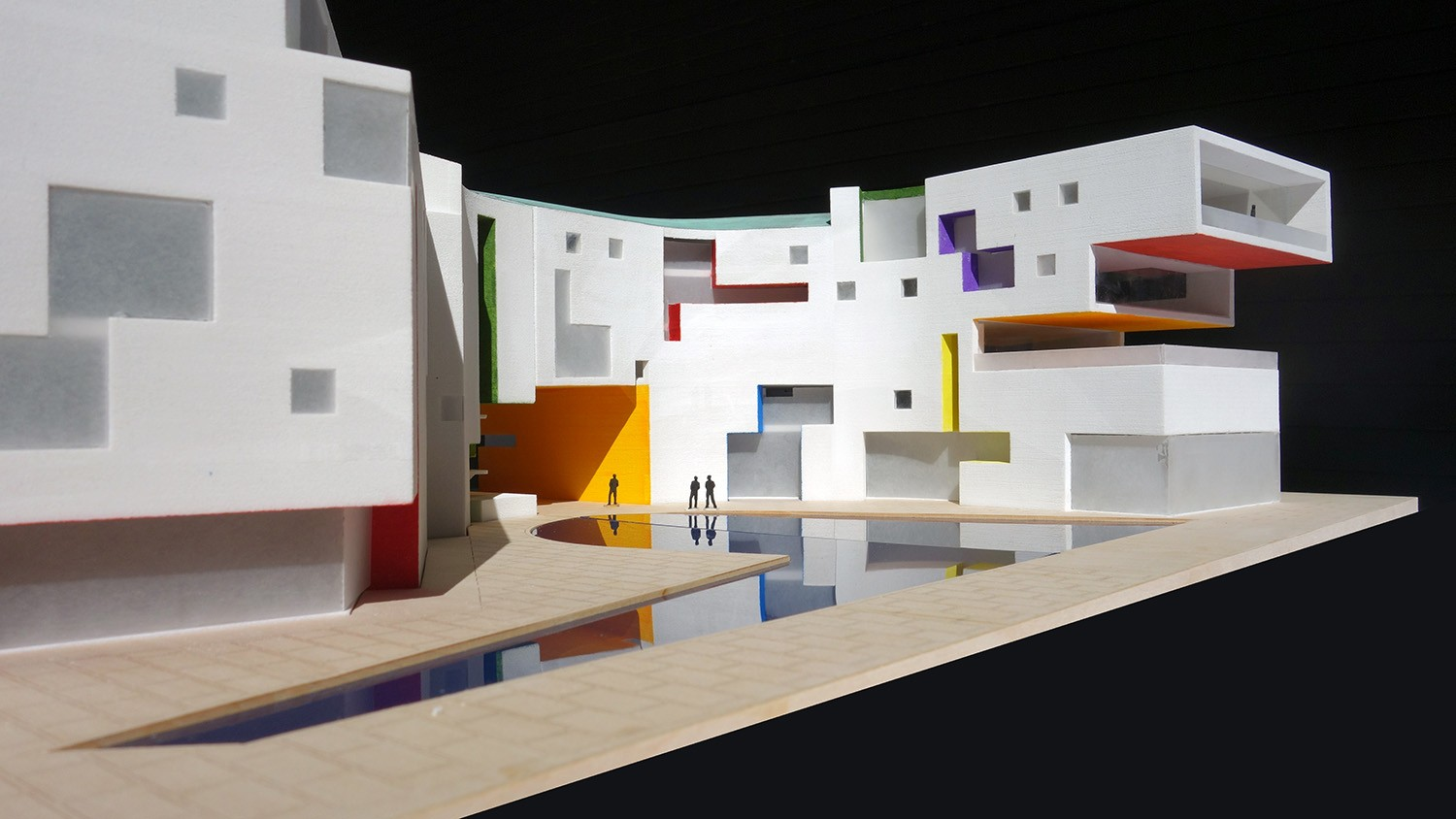 https://stevenholl.sfo2.digitaloceanspaces.com/uploads/projects/project-images/StevenHollArchitects_MGI_SHA-Moscow-Polychromy_WH.jpg